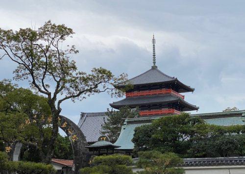 小さな旅:願いを叶える寺「蓮華院誕生寺の奥之院」